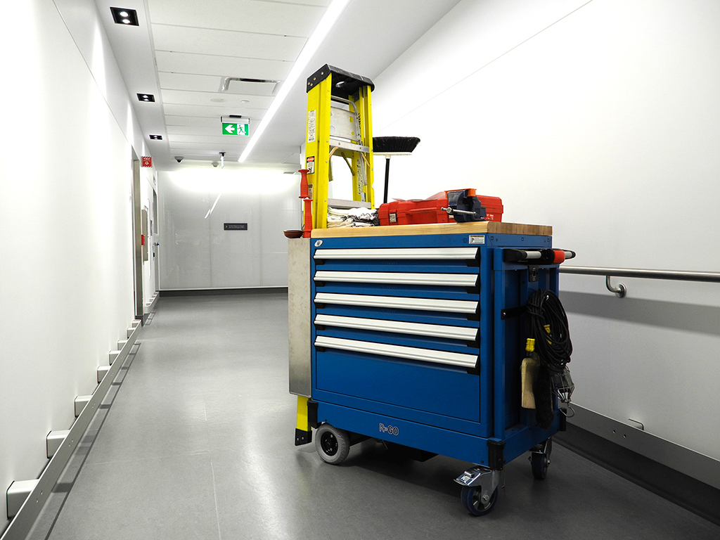 Cabinet motorisé mobile bleu