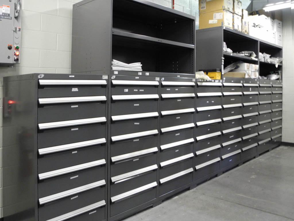Cabinet gris