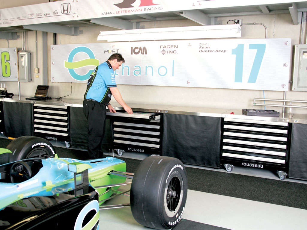 Performance and racing, IN