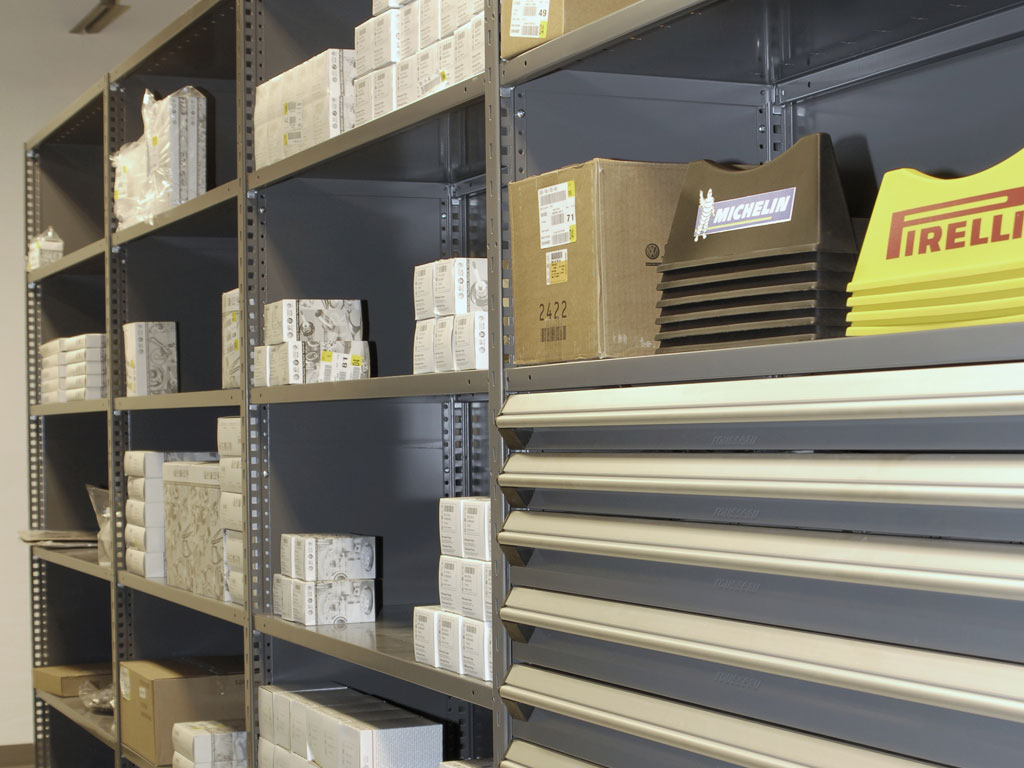 Small and medium-sized parts storage, QC